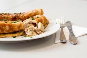 Eierpfannkuchen mit Champignons