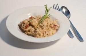 Risotto mit Thunfisch und getrockneten Tomaten